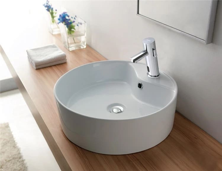 SIDELING TOUCHLESS FAUCET WITH TEMPERATURE CONTROL
