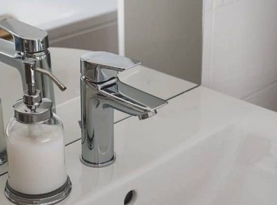 12 Surprising Benefits of Touchless Faucets